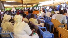 2018-6-19_3_CONGREGATION AT BROTHER PROTUS' MOTHER FUNERAL