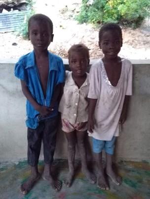children-in-street_2