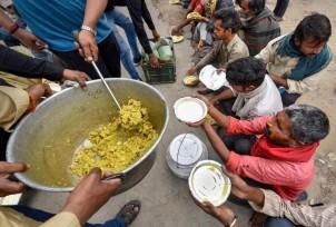 food-distribution-in-lockdown_1585230434